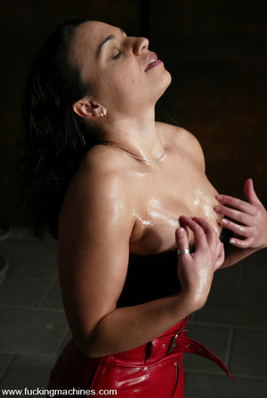 Girls sex machines. Jenya enjoys and oil - XXX Dessert - Picture 2