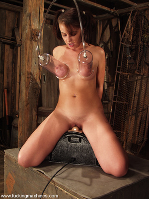 Fuckingmachines. Penny Flame has a cum f - XXX Dessert - Picture 14