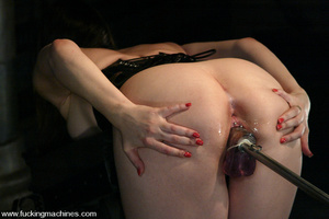 Sex machine orgasms. Fuckingmachines. - XXX Dessert - Picture 7