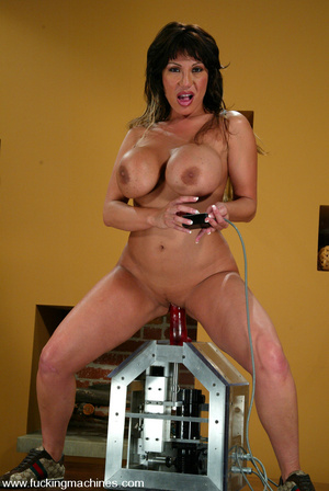 Women fucking machines. Insatiable Ava D - XXX Dessert - Picture 13