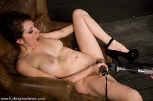 Sexmachines. Princess Donna machine fuck - XXX Dessert - Picture 11