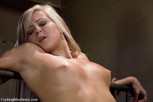 Sex machine porn. Blond 19 year old gets - XXX Dessert - Picture 9