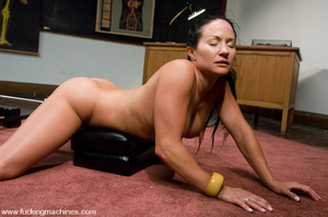 Sexmachines. MILF gets machine nailed in - XXX Dessert - Picture 15