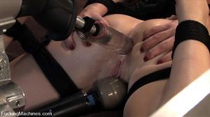 Machines sex. Sindee Jennings machine fu - XXX Dessert - Picture 9