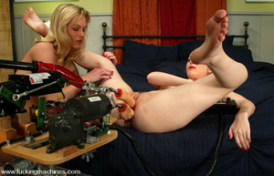 Machine sex. Chanta shows Phoenix some d - XXX Dessert - Picture 10