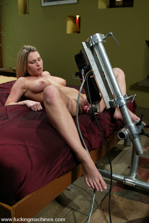 Fucking machines. Harmony Rose gets tied - XXX Dessert - Picture 5