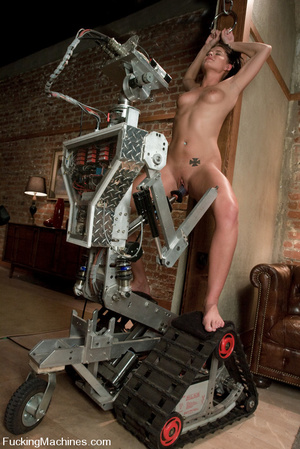Sexmachines. Girl machine fucks fast, de - XXX Dessert - Picture 8