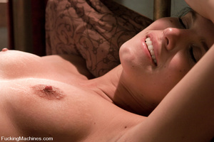 Sexmachines. Girl machine fucks fast, de - XXX Dessert - Picture 13