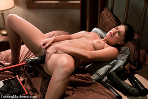 Sexmachines. Girl machine fucks fast, de - XXX Dessert - Picture 15