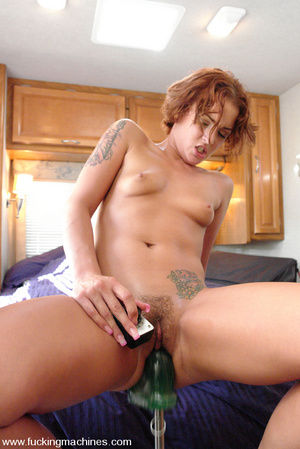 Fucking machine porn. Sara Faye squirts  - XXX Dessert - Picture 15