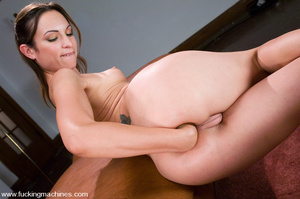 Adult sex machines. Amber Rayne gets plu - XXX Dessert - Picture 7