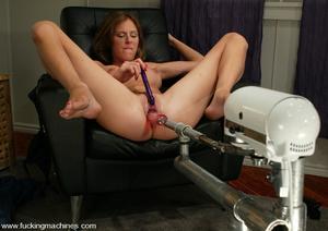Sex machines. Audrey Leigh gets fucks ma - XXX Dessert - Picture 4