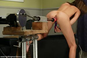 Sex machines. Audrey Leigh gets fucks ma - XXX Dessert - Picture 6