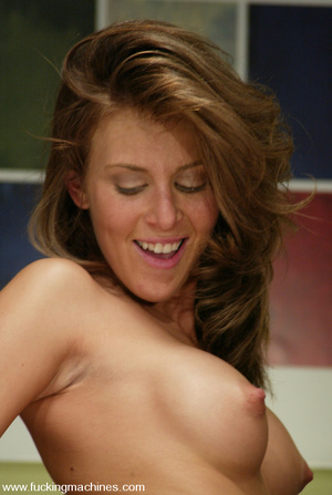 Sex machines. Audrey Leigh gets fucks ma - XXX Dessert - Picture 11