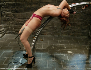 Fucking machine xxx. Satine gets machine - XXX Dessert - Picture 6