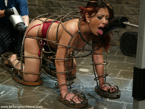 Fucking machine xxx. Satine gets machine - XXX Dessert - Picture 11