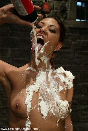 Fucking machine xxx. Satine gets machine - XXX Dessert - Picture 12