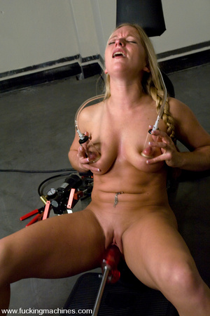 Sexmachines. All natural big tit blonde  - XXX Dessert - Picture 6