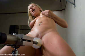 Sexmachines. All natural big tit blonde  - XXX Dessert - Picture 7