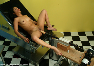 Fuck machine. Petite Ana is one sexy kit - XXX Dessert - Picture 3