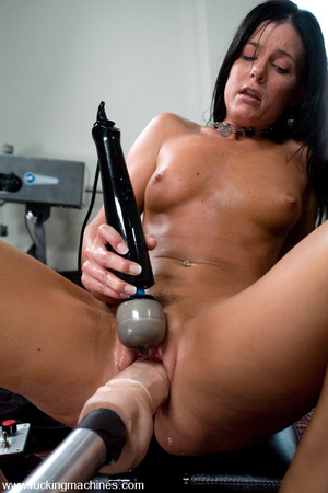 Sex machines porn. MILF gets machine fuc - XXX Dessert - Picture 15