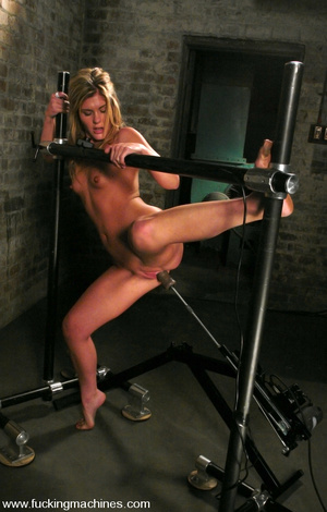 Machine sex. Brand new hot blonde gets m - XXX Dessert - Picture 13