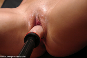 Love machine sex. Blonde babe with big t - XXX Dessert - Picture 9
