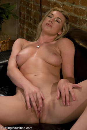 Fucking machine sex pics. Alll natural b - XXX Dessert - Picture 1
