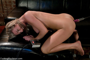 Fucking machine sex pics. Alll natural b - XXX Dessert - Picture 5