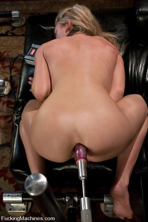 Fucking machine sex pics. Alll natural b - XXX Dessert - Picture 6
