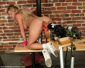 Sex machine sex. Cum watch Phyllisha's l - XXX Dessert - Picture 9