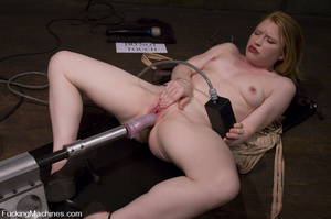 Fuckingmachines. Madison Young cums from - XXX Dessert - Picture 3