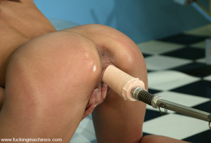 Extreme sex machines. Giselle from Engla - XXX Dessert - Picture 7