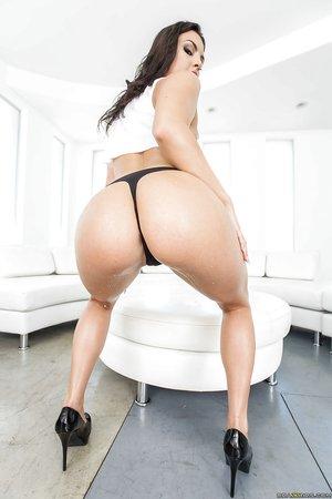 American big ass perfect legs