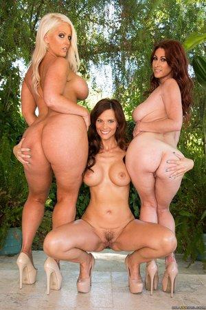 Big butt mature anal