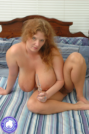 Bbw nude. Toni KatVixen playing with her - XXX Dessert - Picture 2