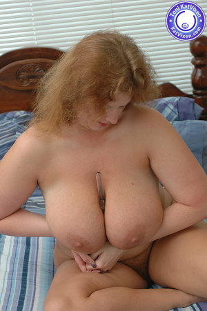Bbw nude. Toni KatVixen playing with her - XXX Dessert - Picture 8