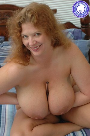 Bbw nude. Toni KatVixen playing with her - XXX Dessert - Picture 9