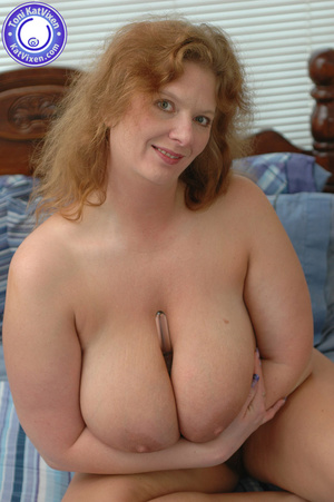Bbw nude. Toni KatVixen playing with her - XXX Dessert - Picture 11