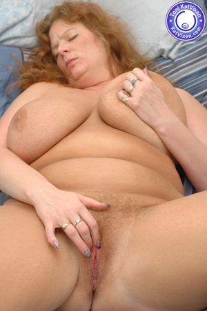 Bbw nude. Toni KatVixen playing with her - XXX Dessert - Picture 14