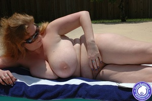 Mature females. Big breasted redhead sun - XXX Dessert - Picture 1