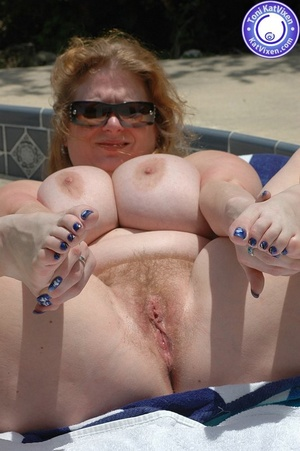 Mature females. Big breasted redhead sun - XXX Dessert - Picture 11