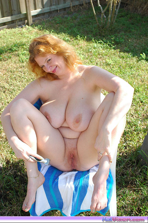 Fat girls. Shaving my pussy outside. - XXX Dessert - Picture 10