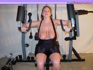Mature females. Busty Babe Works Out. - XXX Dessert - Picture 16