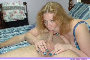 Mature women. Giving a blowjob in bed. - XXX Dessert - Picture 8