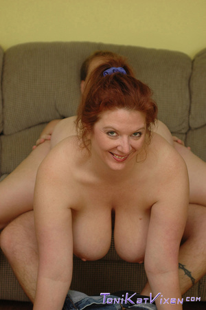 Hot mature. Fucking on the couch. - XXX Dessert - Picture 9