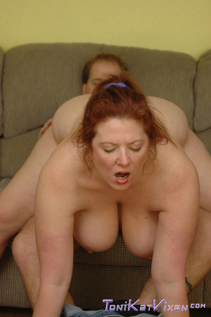 Hot mature. Fucking on the couch. - XXX Dessert - Picture 10