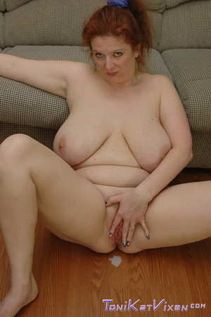 Hot mature. Fucking on the couch. - XXX Dessert - Picture 16