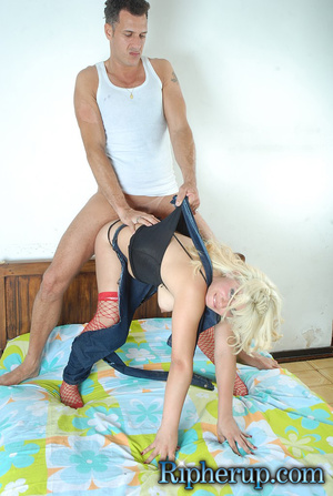 Roughsex. Blonde gets roughed up and clo - XXX Dessert - Picture 15