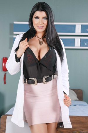American huge boobs doctor